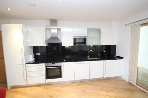 **Zero Deposit Option Available. Fairfield Road, Croydon CR0. 2 bedroom apartment