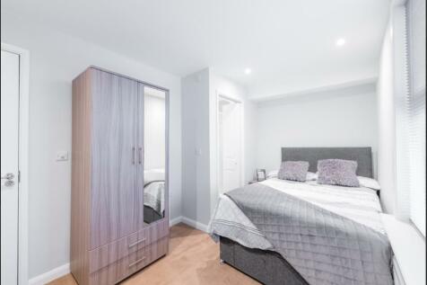 Zero Deposit Option Available. Oval Road, Croydon CR0. 1 bedroom house share