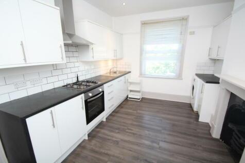 Elgin Road, Croydon CR0. 3 bedroom apartment