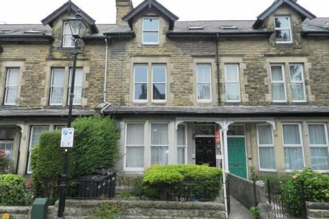 Dragon Avenue, Harrogate. 4 bedroom terraced house