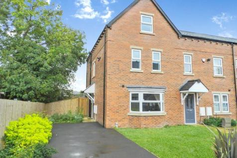Maple Gardens, Leeds. 4 bedroom town house for sale