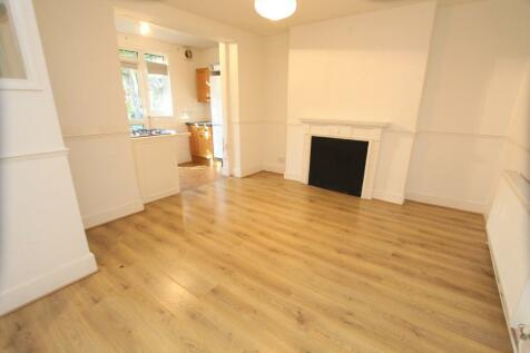 Marriott Road, Finsbury Park. 1 bedroom ground floor flat