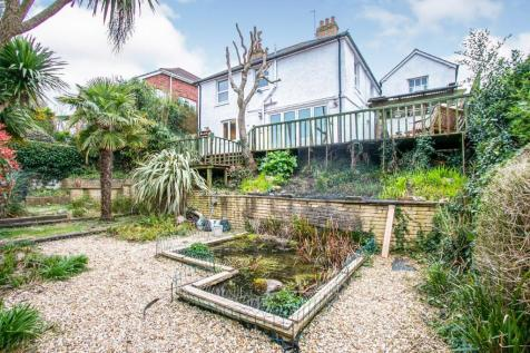 Beaconsfield Road, Parkstone, Poole, BH12. 4 bedroom detached house
