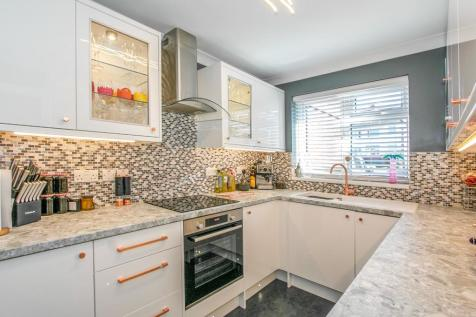 Dunford Road, Parkstone, Poole, BH12. 3 bedroom terraced house
