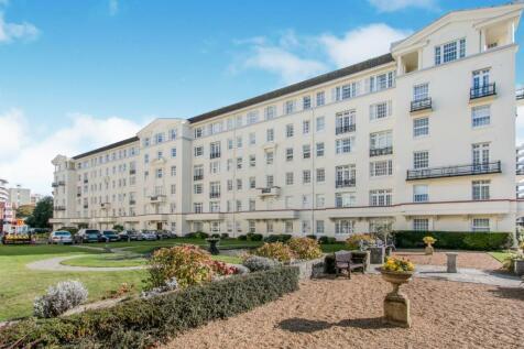 Bath Hill Court, Bath Road, Bournemouth, Dorset, BH1. 3 bedroom flat