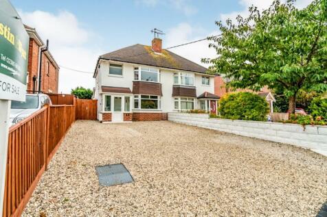 Testwood Lane, Totton, Southampton, Hampshire, SO40. 3 bedroom semi-detached house