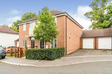 Oleander Drive, Totton, Southampton, Hampshire, SO40. 3 bedroom semi-detached house for sale