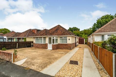 Kinross Road, Totton, Southampton, Hampshire, SO40. 2 bedroom bungalow