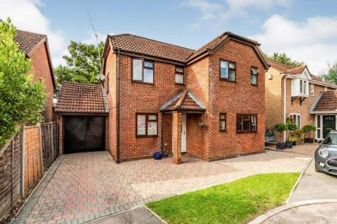 Mill Way, Totton, Southampton, Hampshire, SO40. 4 bedroom detached house for sale