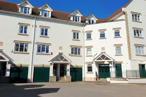 Royal Sands, Weston-Super-Mare, Somerset, BS23. 4 bedroom terraced house for sale