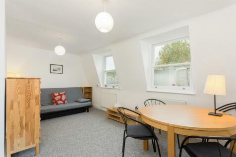 Cornwall Crescent, Notting Hill, W11. 1 bedroom flat