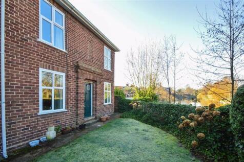 Riverside Close, Longden Coleham, Shrewsbury. 2 bedroom apartment