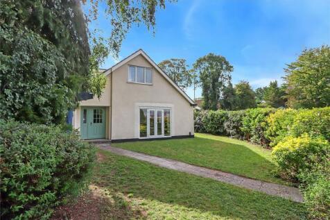 Rickmansworth Road, Watford, Hertfordshire, WD18. 4 bedroom detached house for sale