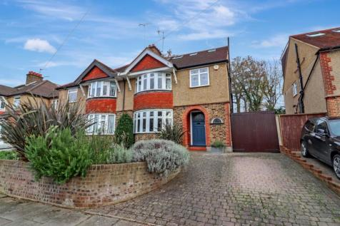 Woodland Drive, Watford, Hertfordshire, WD17. 4 bedroom semi-detached house for sale