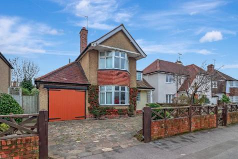 Cassiobury Drive, Watford, Herts, WD17. 3 bedroom detached house for sale