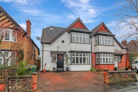 Cedar Road, Oxhey, Watford, WD19. Semi-detached house for sale