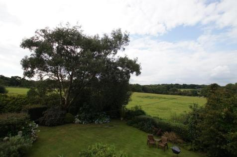 Pett Road, Pett, Hastings, East Sussex, TN35. 3 bedroom detached house