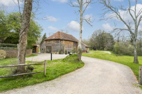 Pottens Mill Lane, Broad Oak, Heathfield, East Sussex, TN21. 4 bedroom barn conversion
