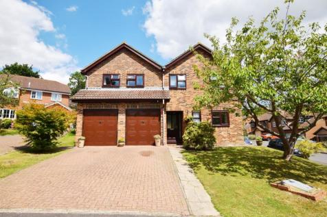 Cherry Gardens, Heathfield, East Sussex, TN21. 5 bedroom detached house