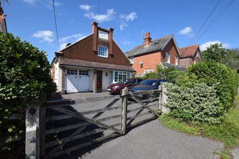 Ballsocks Lane, Vines Cross, Heathfield, East Sussex, TN21. 3 bedroom detached house