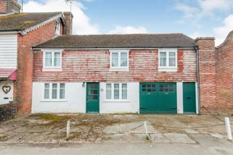 High Street, Burwash, Etchingham, East Sussex, TN19. 4 bedroom terraced house