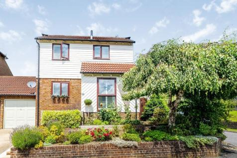 Gibraltar Rise, Heathfield, East Sussex, United Kingdom, TN21. 3 bedroom detached house