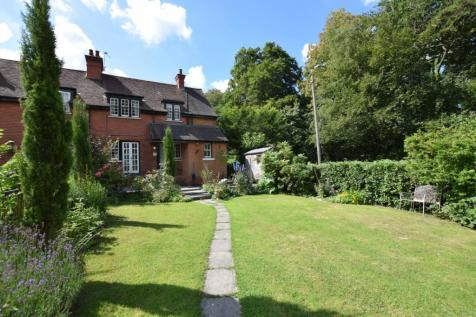 Fairview Cottages, Newick Lane, Mayfield, East Sussex, TN20. 3 bedroom semi-detached house