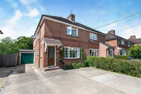 Joyce Villas, Chiddingly Road, Horam, Heathfield, TN21. 3 bedroom semi-detached house