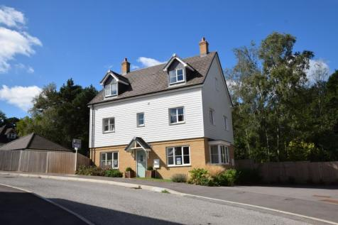 Oakline, Heathfield, East Sussex, TN21. 5 bedroom detached house