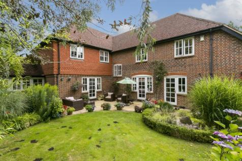 Richmond Place, Tunbridge Wells, Kent, TN2. 5 bedroom detached house
