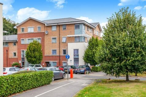 Jackwood Court, Jackwood Way, Tunbridge Wells, Kent, TN1. 2 bedroom flat