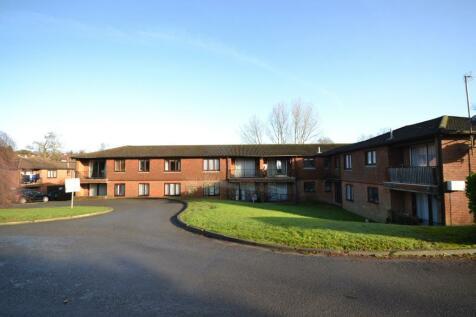 Fernbank, Tollwood Park, Crowborough, East Sussex, TN6. 3 bedroom flat
