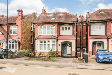 Old Park Ridings, London, winchmore hill property