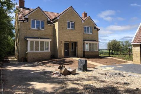 Tadley Meadow, Frome. 4 bedroom detached house