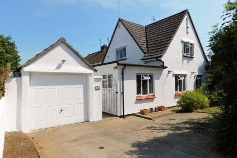 Charles Road, Frome. 3 bedroom detached house