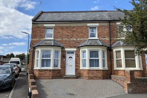 Wallbridge Avenue, Frome. 3 bedroom end of terrace house for sale