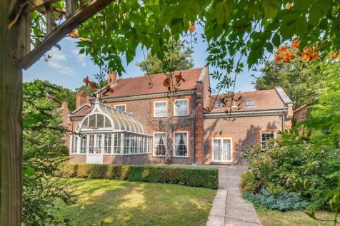 Caversham Heights, Reading. 4 bedroom detached house for sale