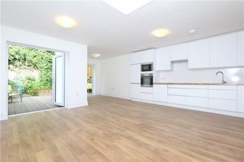 St. Thomas's Road, North Highbury, Islington, London, N4. 3 bedroom apartment