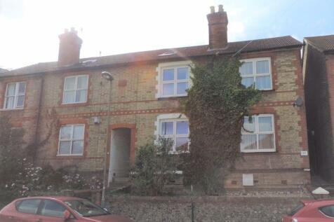 Walnut Tree Close. 5 bedroom house