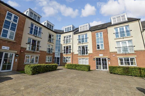Henconner Lane, Bramley. 2 bedroom apartment for sale