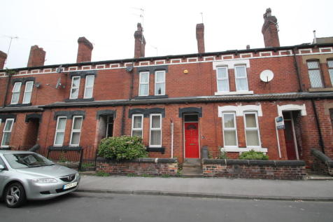 Aberdeen Walk, Armley. 3 bedroom terraced house for sale