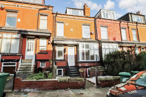 Stanmore View, Leeds. 3 bedroom terraced house for sale