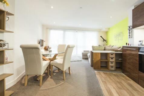 Marsh Street - City Centre. 1 bedroom flat