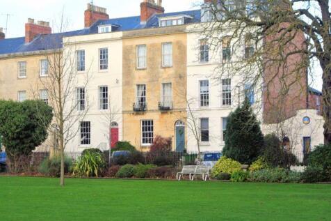 Brunswick Square, Gloucester,. 3 bedroom maisonette for sale