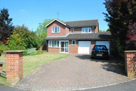Larkspear Close, Gloucester. 4 bedroom detached house for sale