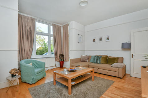 Streatham Common South, Streatham. 1 bedroom flat