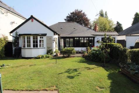 Highgate Avenue, Walsall. 3 bedroom detached bungalow