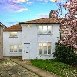 Westfield Road, Dagenham. 5 bedroom end of terrace house