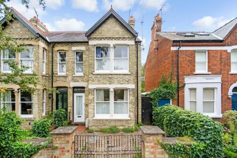 Hinton Avenue, Cambridge. 3 bedroom semi-detached house