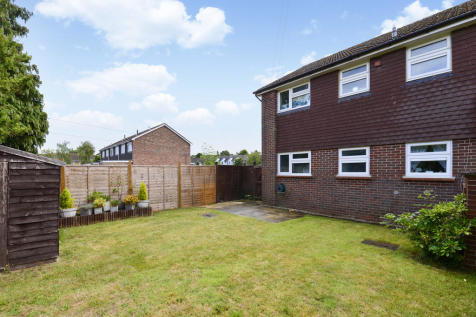 Chilworth, Guildford. 2 bedroom ground floor flat